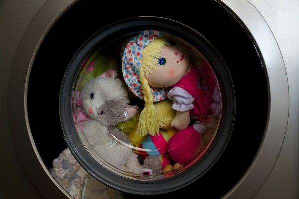 شستن عروسک