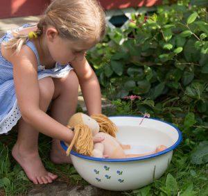 شستن عروسک های پولیشی